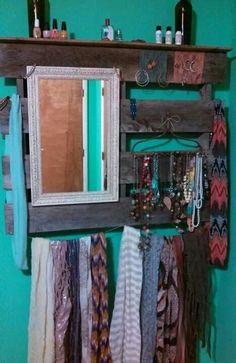 Pallet Jewelry Display