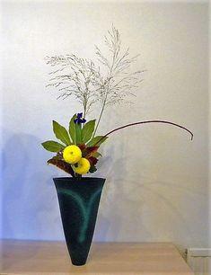 Ikenobo Rikka arrangement Ikebana Flower Arrangement, Flower Arrangements, Ancient Art, Japanese Art, Glass Vase, Flowers, Old Art, Japan Art, Floral Arrangements