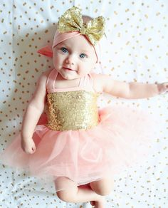 Take the guess work out of gift giving with our perfect pre-assembled outfits! Comes with everything shown: gorgeoushalter sequin tutu dress matching bloomer