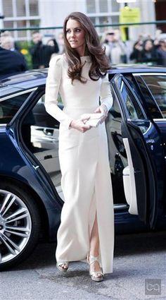 Kate Middleton, white dress and wonderful hair