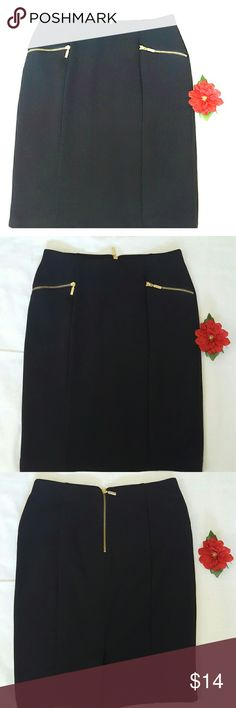 """ALFANI  Pencil Skirt - True Black Figure flattering  Alfani black skirt is very flattering and forgiving.  Looks amazing on and very attention getting. 22"""" from waist to hem . Fits 8 -10  Excellent condition. Alfani Skirts"""