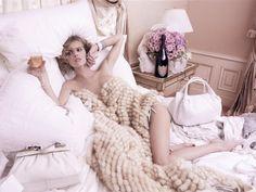 20061001-Eva.Herzigova.by.Karl.Lagerfeld.HQ.7.th