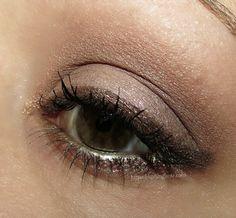 MAC Eyeshadow x 9 Tinashe Palette eye look