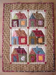 Lots of patchwork quilts! This is adorable. House Quilt Patterns, House Quilt Block, Quilt Blocks, Scrappy Quilts, Mini Quilts, Quilting Projects, Quilting Designs, Miniature Quilts, Doll Quilt