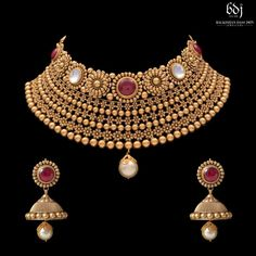 Picture from Balkishan Dass Jain Jewellers Photo Gallery on WedMeGood. Gold Bangles Design, Gold Jewellery Design, Gold Wedding Jewelry, Bridal Jewelry Sets, Gold Jewelry, Indian Jewelry Sets, Women Jewelry, India Jewelry, Gold Mangalsutra Designs