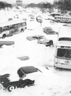 Lakeshore Drive during the great snowstorm of 1967
