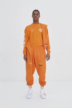 See the complete Heron Preston Fall 2017 Menswear collection.
