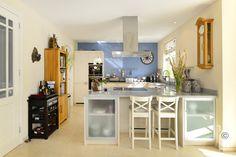 Keuken Modern, Table, Furniture, Home Decor, Trendy Tree, Decoration Home, Room Decor, Tables, Home Furnishings
