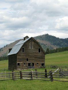 The old barn Yakima Valley, WA