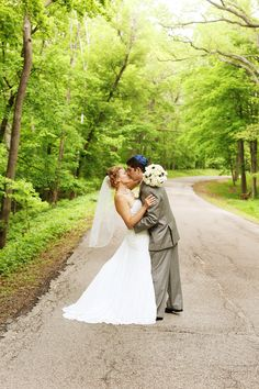 Nature's Grace Photography | Iowa City and Eastern Iowa Wedding Photographer | Bride Meets Wedding Vendor | Iowa, Illinois and Wisconsin Wedding Inspiration and Planning Information