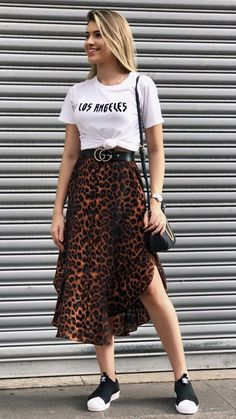 Animal print is here to stay, and these 10 pictures are proof that it's not too late to venture to the wild side. Source by culturacolectiva Outfits verano Casual Chic Outfits, Cute Outfits, Fashion Outfits, Fashionable Outfits, Style Fashion, Animal Print Maxi Dresses, Animal Print Skirt, Animal Print Outfits, Mode Streetwear