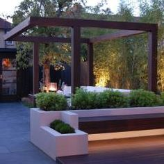 Garden in West London: modern Garden by Paul Newman Landscapes