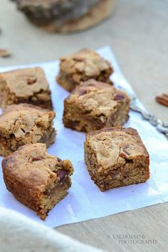{Guest Post} - Butterscotch Blondies with Pecan nuts by Valarmathi of 'Simple and Yummy Recipes'