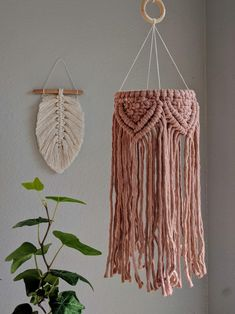 Macrame Design, Macrame Art, Macrame Projects, Macrame Knots, Macrame Jewelry, Macrame Wall Hanging Patterns, Macrame Patterns, Lantern Chandelier, Macrame Tutorial