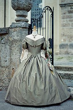 Early Victorian .. Wish we still dressed like this (sometimes)