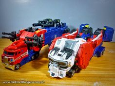 Xovergen TF-02 God Armor's truck mode looks great! Very Cybertronian. BUT! it does not combine with the TF-01 Trailerforce as the original Masterforce set does. #Transformers #Xovergen #TF02 #TF01 #Ginrai #GodGinrai