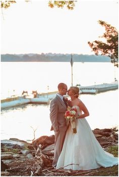 Wedding Tip Schedule To Take Photos During Golden Hour Bride Groom Portraits Nautical Lake Nashville Tn By Sarah Sidwell Photography