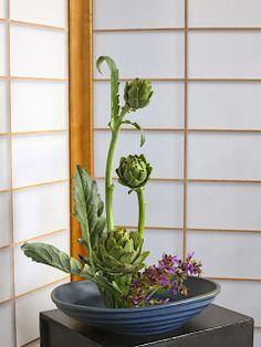 artichoke floral arrangement in short bowl. Wow. ROADSIDE IKEBANA: November 2013 Christopher James