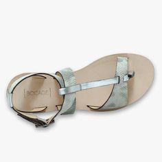 Sandale plate en cuir
