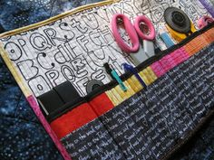 hot pink quilts: sewing tool organizer tutorial.