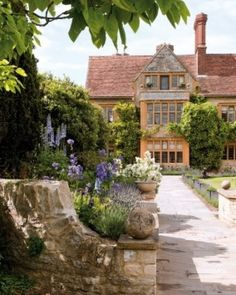 Le Manoir aux Quat'Saisons - Oxfordshire, United Kingdom This is where my family hails from