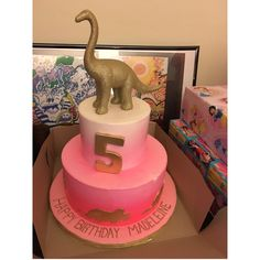 Girly pink ombré dinosaur birthday cake, girl, 5th birthday. Dino's. Cake designs by Edda, Miami, FL.