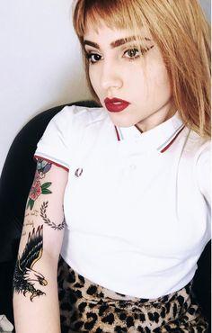 Fred Perry Girl Teddy Girl, Teddy Boys, Fred Perry Polo, Sergio Tacchini, Skinhead Girl, Girl Tattoos, Tattoo Girls, Camisa Polo, Scene Girls