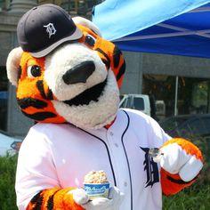 "Hudsonville Ice Cream on Instagram: ""#Tigertraxx #openingDay #CapsOn #AprilInTheD #pawsdetroit"""