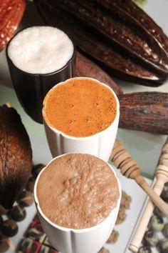Horchata Maya    35 gramos de harina de arroz  20 gramos de azúcar  5 gramos de canela en polvo  15 gramos de leche en polvo  5 mililitros de esenciade vainilla  20 gramos de nuez en polvo  300 mililitros de agua  Hielo,al gusto