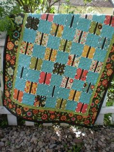 Frolic'n Butterflies Quilt « Moda Bake Shop Quilting Projects, Quilting Designs, Sewing Projects, Felt Projects, Charm Pack Quilts, Charm Quilt, Patch Quilt, Quilt Blocks, Butterfly Quilt
