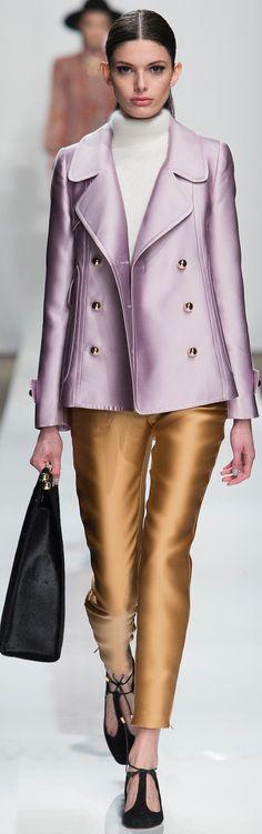 Zimmermann Fall 2015 Ready-to-Wear Collection Photos - Vogue Fashion Moda, Look Fashion, Runway Fashion, High Fashion, Winter Fashion, Fashion Show, Womens Fashion, Fashion Design, Fashion Week 2015