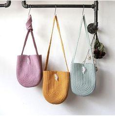 Marvelous Crochet A Shell Stitch Purse Bag Ideas. Wonderful Crochet A Shell Stitch Purse Bag Ideas. Crochet Purse Patterns, Crochet Tote, Crochet Handbags, Crochet Purses, Crochet Gifts, Diy Crochet, Crochet Ideas, Crochet Shell Stitch, Diy Couture