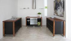 bloc kitchen | tabac - painted black Modulküchen Arbeitsplatte designer Buche Massiv Küche Singleküche
