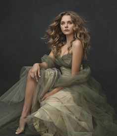 Could use for green and gray dress. Especially the bodice shape.