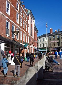 Day trip to Portsmouth New Hampshire - the friendly toast, ice cream store and toy store sound fantastic!