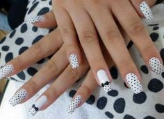 Nail Art - Nagel Design , Nail Trends , nail art galleries - Black and white Nail art visit here for more nail art inspo Black And White Nail Art, White Nails, Black White, Simple Nail Designs, Nail Art Designs, Acrylic Nail Art, Nail Art Galleries, Easy Nail Art, Simple Nails