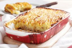 Tastee Recipe You May See Tears Of Joy When You Serve This Stupendous Cottage Pie To Your Family - Page 2 of 2 - Tastee Recipe Irish Recipes, Pie Recipes, Cooking Recipes, Casserole Dishes, Casserole Recipes, Tastee Recipe, Leftover Mashed Potatoes, Carne Picada, Venison
