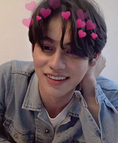 Me gusta, 5 comentarios - 𝐁𝐁𝐑𝐈𝐆𝐇𝐓𝐕𝐂 𝐅𝐀𝐍 Handsome Faces, Handsome Actors, Cute Actors, Handsome Boys, Bright Wallpaper, Boyfriend Photos, All The Bright Places, Bright Pictures, Handsome Prince