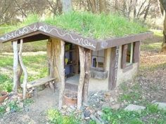 Cheap DIY Playhouse | DIY kids' playhouse stays naturally cool during ... | Easy Being Green