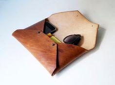 Мужской клатч - конверт из плотной кожи