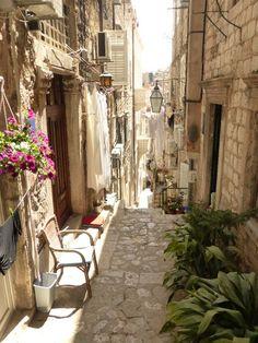 """【旅行記】『魔女の宅急便』のモデルになったと言われる街「クロアチアのドゥブロヴニク」が素晴らしすぎた! """"アドリア海の真珠"""" とも呼ばれる街並みがコレだ   ロケットニュース24"""