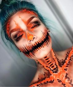 Looking for for ideas for your Halloween make-up? Check out the post right here for creepy Halloween makeup looks. Image Halloween, Cool Halloween Makeup, Halloween Inspo, Scary Makeup, Skull Makeup, Halloween Makeup Looks, Halloween Kostüm, Sfx Makeup, Halloween Costumes