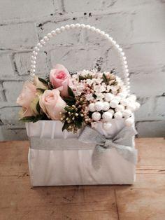 Bag Bridesmaid Flowers, Bridesmaids, Wreaths, Table Decorations, Bag, Wedding, Home Decor, Valentines Day Weddings, Decoration Home