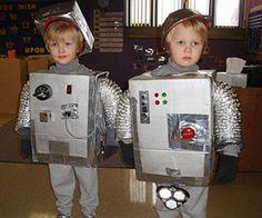 Halloween DIY robot costume-per my son's request:) Robot Halloween Costume, Image Halloween, Robot Costumes, Homemade Halloween Costumes, Halloween Books, Holidays Halloween, Halloween Diy, Halloween Dress, Boy Diy Crafts