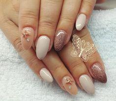 Nails Holiday