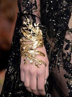 exquisite, timeless, gold climbing hand to wrist cuff bracelet ~*~