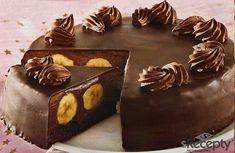 Recept jak připravit Čokoládový dort s banány . Jak uvařit Čokoládový dort s banány doma. Recept s ingrediencí hladká mouka, kypřící prášek do pečiva, rostlinný olej, cukr krupice. Svatý Valentý... Kolaci I Torte, Mousse, Chocolate Sweets, How Sweet Eats, Amazing Cakes, Decorative Boxes, Food And Drink, Birthday Cake, Pudding