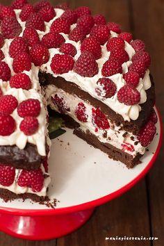 tort czekoladowy bez glutenu, tort czekoladowy bez mąki, tort czekoladowy z malinami bez mąki, chocolate cake gluten free, moist chocolate cake, wilgotne ciasto czekoladowe bez glutenu, chocolate raspberry cake