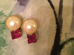 1970's fun Party Earrings.  Faux Pearl with cerise coloured plastic piece of sparkle. by VINTAGEwithaSMILE on Etsy