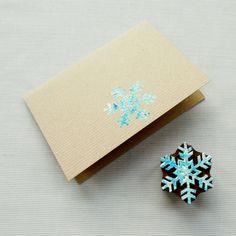 carte-Noel-fabriquer-soi-meme-carte-carton-tamponnée-encre-flocon-neige carte de Noël à fabriquer